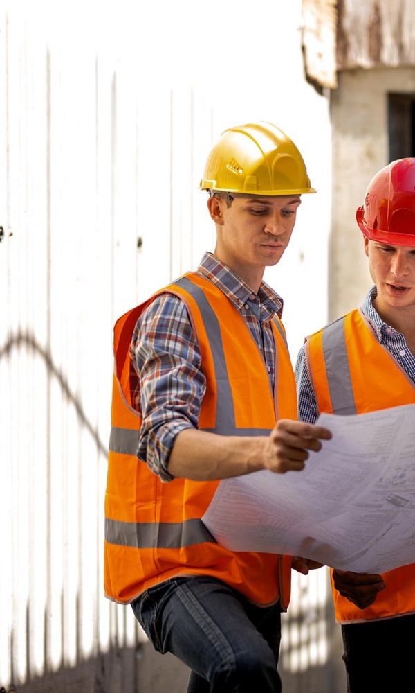 structural-engineer-and-construction-manager-dress-SXAWUC5.jpg